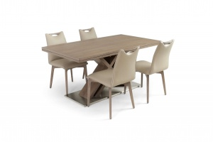 Alster X base table with Ritz leather chairs, Nordholtz