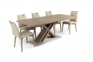 Alster X base table with Ritz leather chairs - photo №9